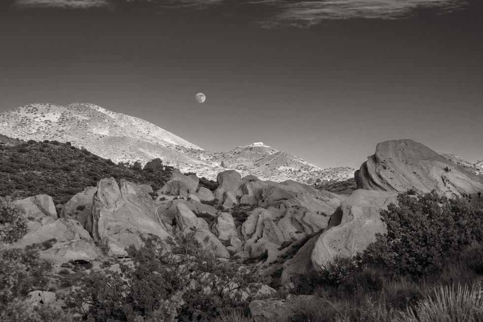 Landscapes-Moon over Vasquez Rocks (taku