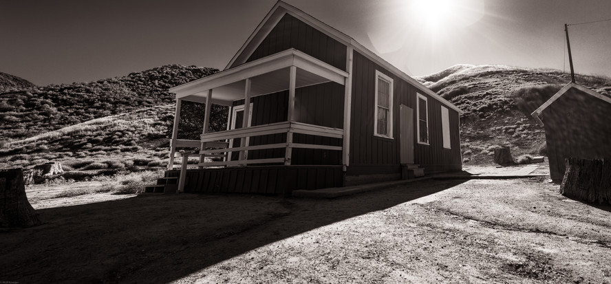 Building-Schoolhouse in Mentryville (tak