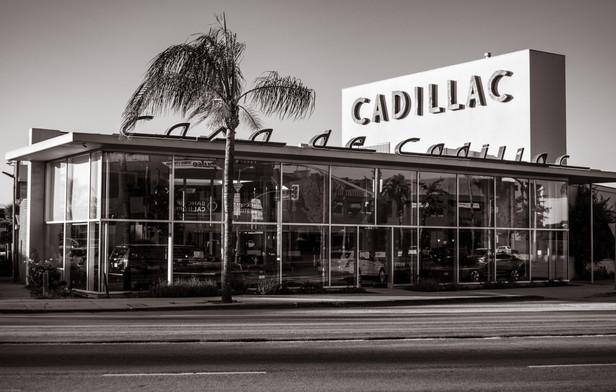 Buildings-Casa De Cadillac Sherman Oaks