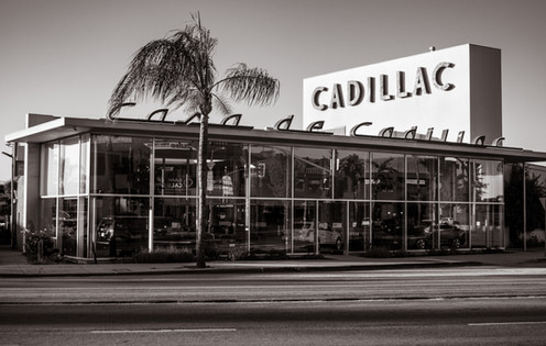 Buildings-Casa De Cadillac Sherman Oaks