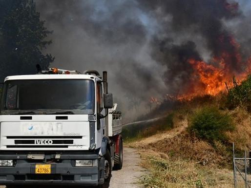 Ολονύχτια μάχη με τις φλόγες στη Δροσιά Αχαϊας-Εκκενώθηκαν οικισμοί (ΒΙΝΤΕΟ)