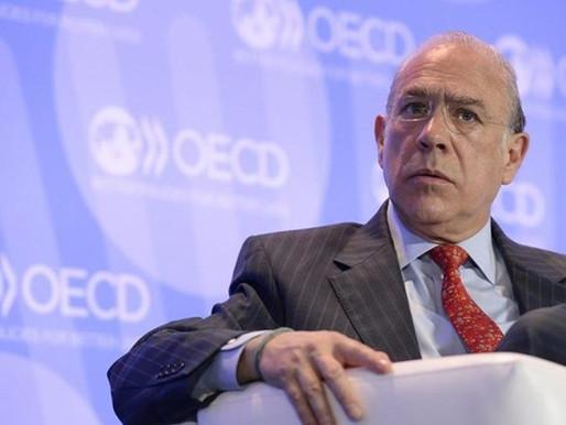 """Ανχελ Γκουρία: """"Η Ελλάδα εξελίσσεται σε έναν ελκυστικό προορισμό για επενδύσεις"""""""