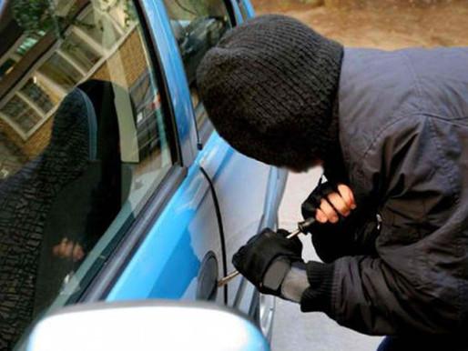 Μυστηριώδης κλοπή αυτοκινήτου δικαστικής υπαλλήλου στο Νέο Ηράκλειο- Είχε μέσα 25 δικογραφίες