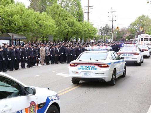 Νέα Υόρκη: Ράγισαν καρδιές στην κηδεία του ομογενή αστυνομικού (Βίντεο)