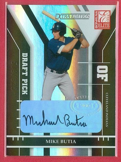 """""""Mike Butia"""" SP RC AUTOGRAPH FOIL CARD #ed 589/825"""