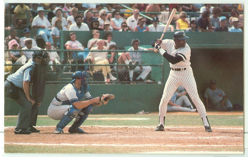 """VINTAGE 1981 """"Dave Winfield"""" POSTCARD #3 UN-POSTED"""