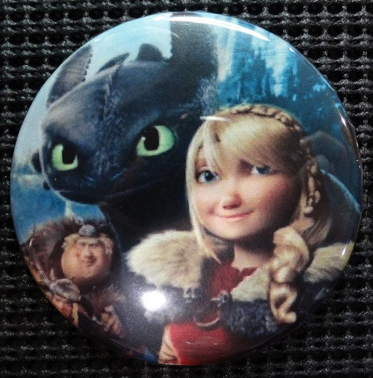 """""""TOOTHLESS, ASTRID & FRIENDS"""" POP CULTURE 3"""" PINBACK/PIN-BACK COMIC BUTTON"""