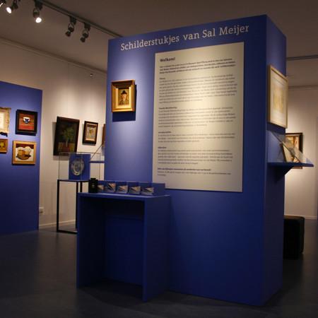 Museum Sjoel Elburg - tentoonstellingsvormgeving 'Schilderstukjes van Sal Meijer'