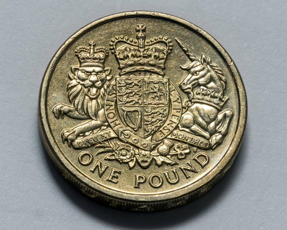 Royal Coat of Arms £1