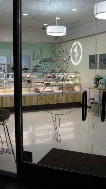 Vinyl Graphics Susie's Cakes Door.jpg