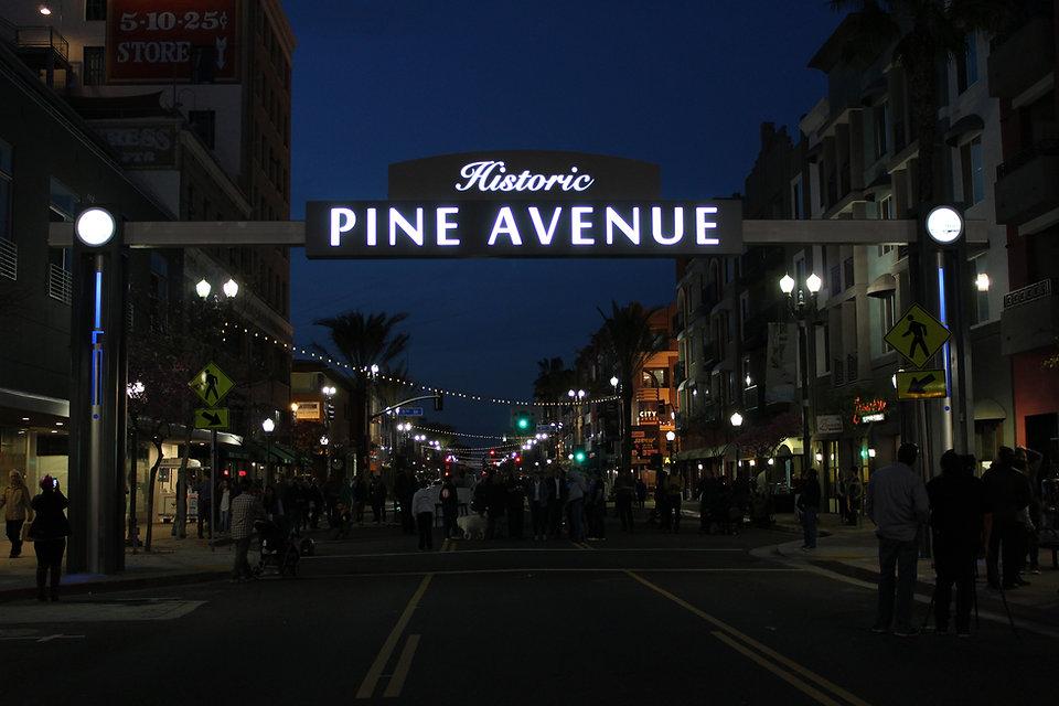 Pine Ave Long Beach - Night View - DN Si