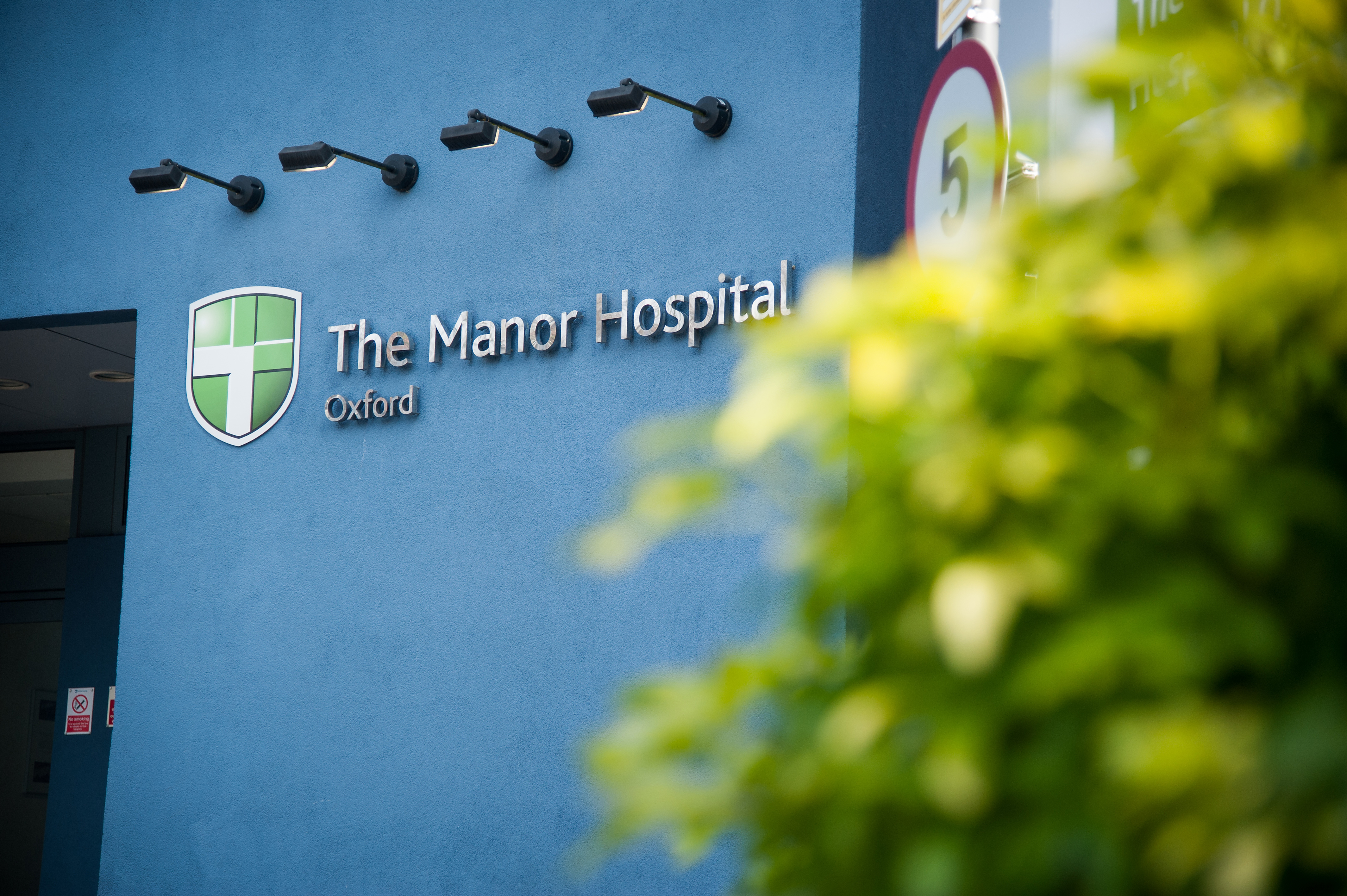 Manor_Hospital_by_John_Cairns_13.2.14-10
