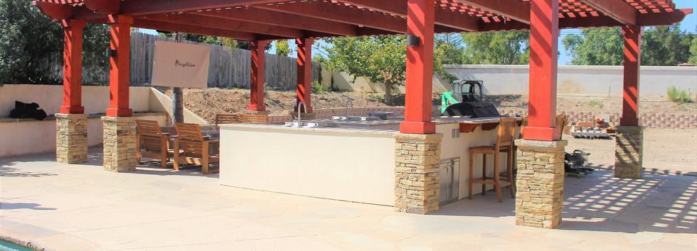 Custom Outdoor Kitchen (3).jpg