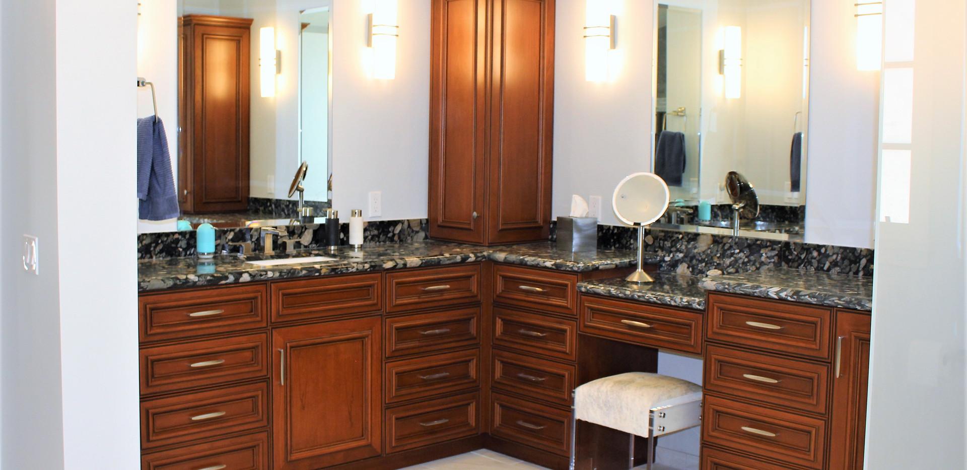 Built in Vanity Master Bath - Cimmaron.j
