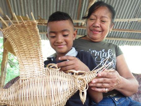 La mujer y el bejuco: Una tradición artesanal que se mantiene 'pegada' al campo