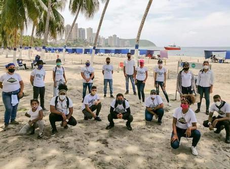 Jóvenes se suman a la jornada de concientización ambiental en las playas de Santa Marta