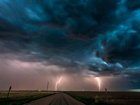 Guía práctica para sobrevivir a una tormenta eléctrica