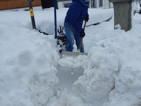 Starker Wintereinbruch: Die JW Kirchberg legt Hydranten frei