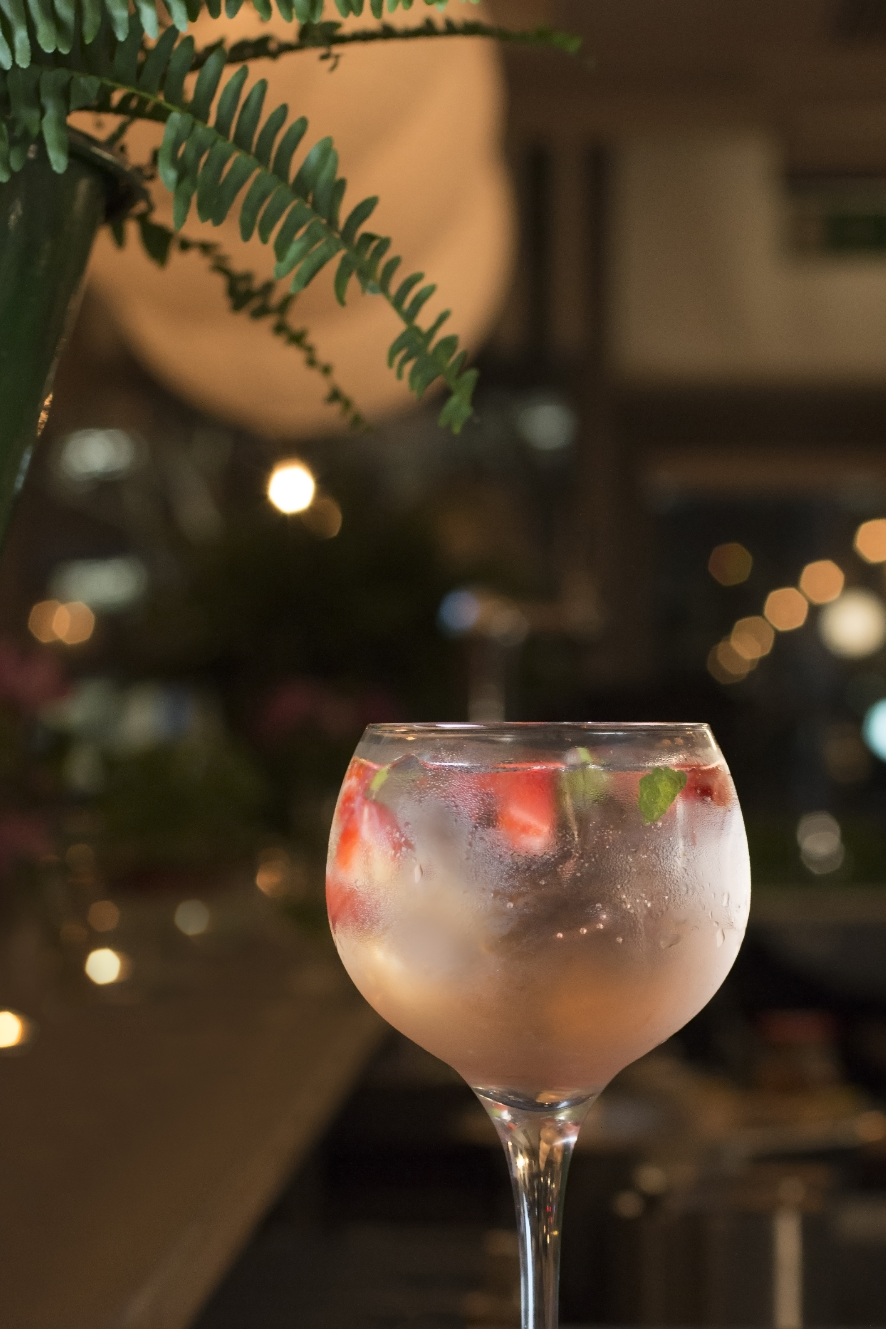 gin strawberry and mint