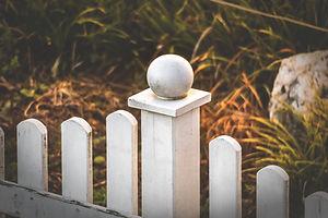 fence-3928518_1920.jpg