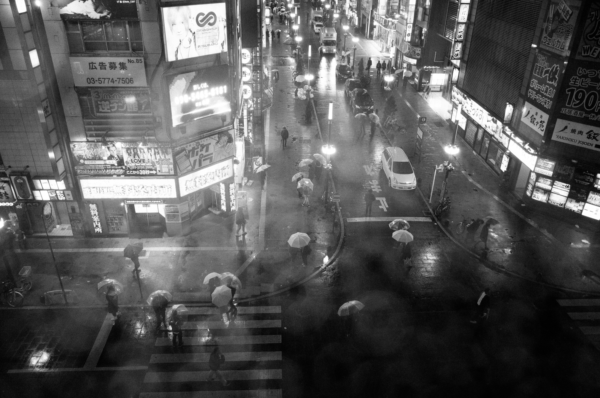 huynh_rainy_nights_in_kabukicho_2