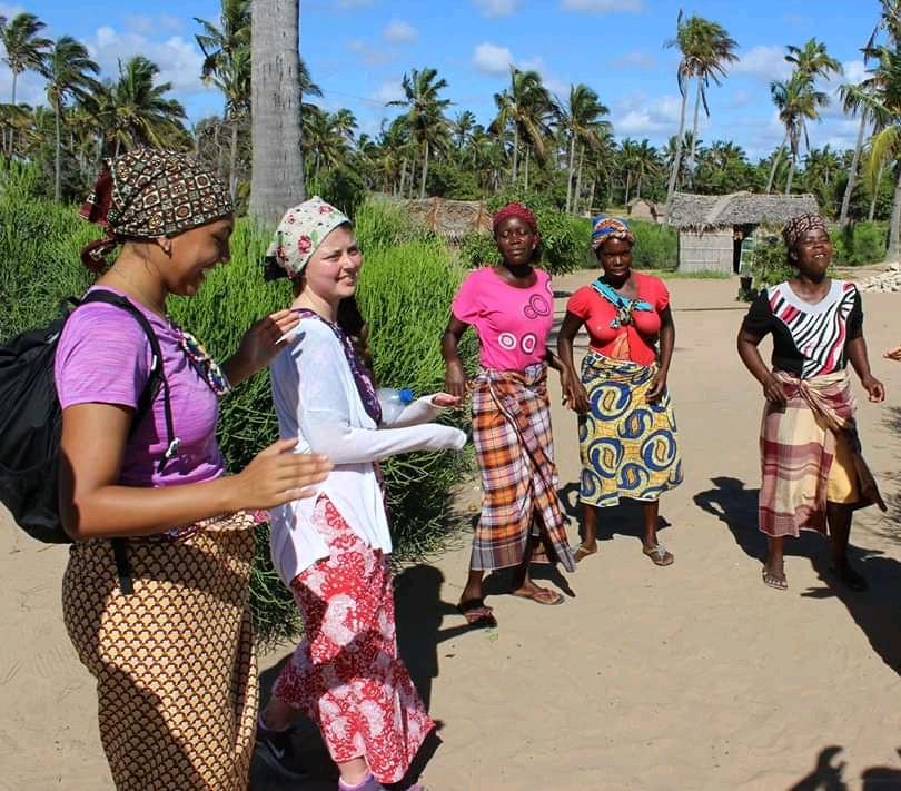 Vilankulos Village Life & School Visit