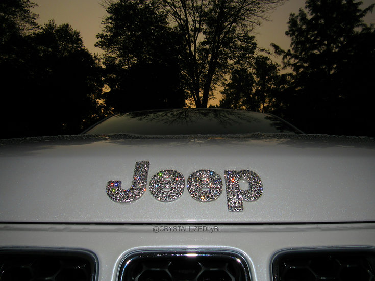 CRYSTALL!ZED Jeep Emblem - Front