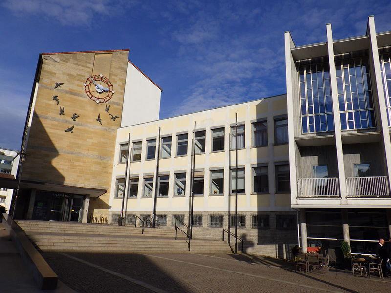 800px-Friedrichshafen-Rathaus.jpg
