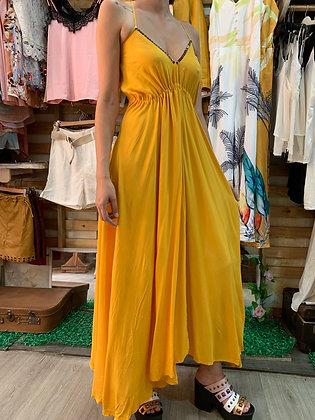 Vestido sin espalda amarillo