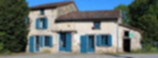 Gites famille et grand groupe en Limousin. Idéal pour un rassamblement jusqu'à 40 personnes. Piscine chauffée. Vacances à la campagne en famille