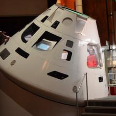 Spacecraft capsule