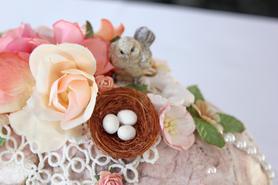 Coo Egg Detail