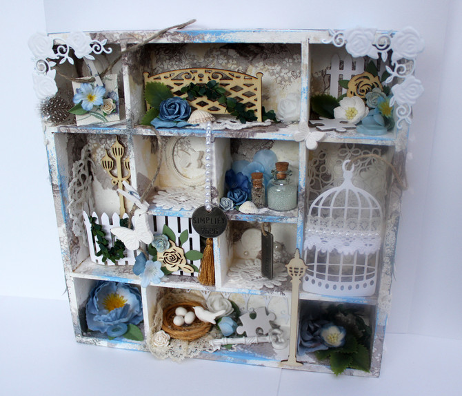 Shabby chic tittskåp/shadow box