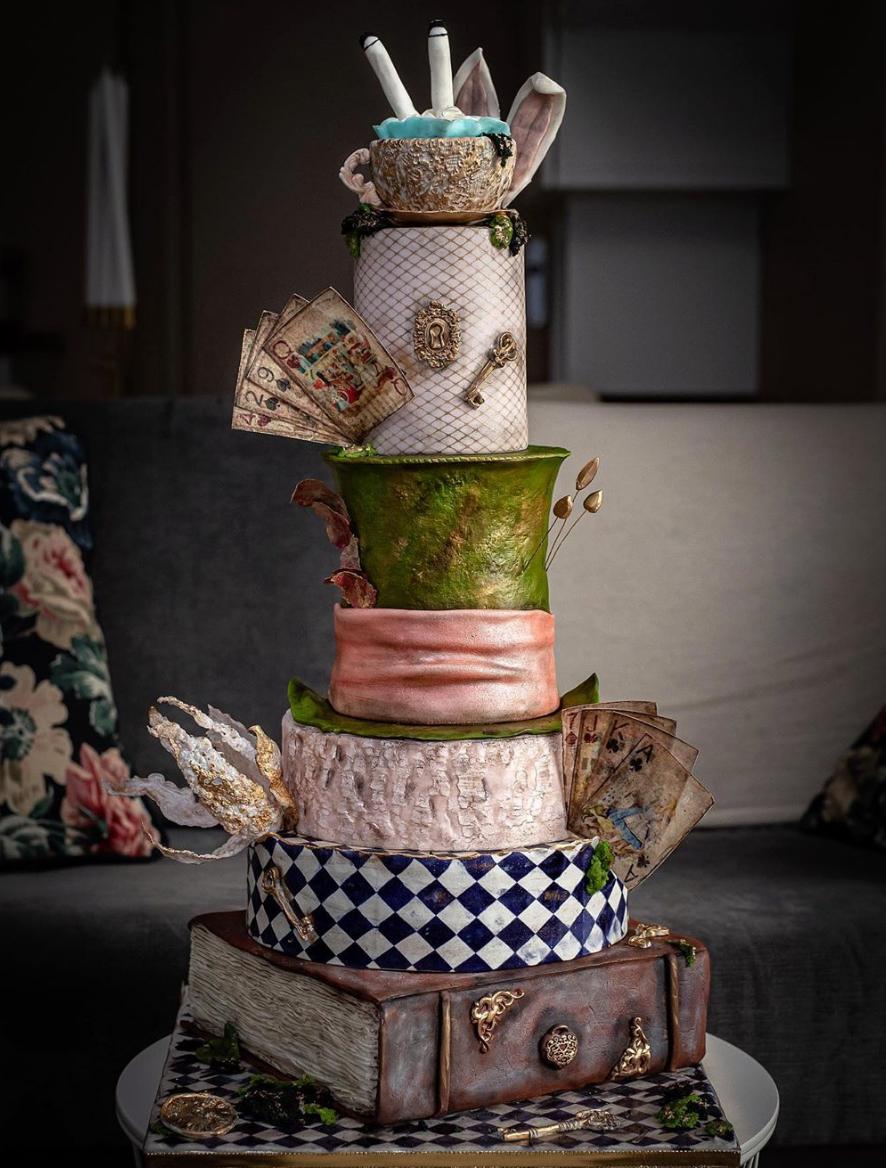 Cake design Alice au pays merveilles