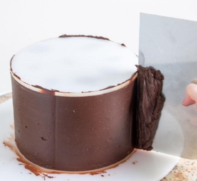 Lissage de la ganache au chocolat