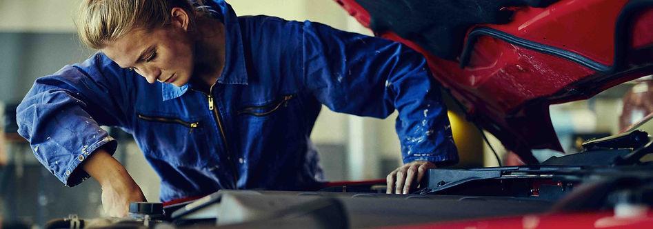 Female-Mechanic.jpg.jfif