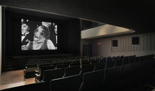 The shapes of the floor and ceiling were reconfigured to ensure perfect viewing and acoustic conditions. (photo: Laura Castro Caldas and Paulo Cintra movie: Jean Grémillon)