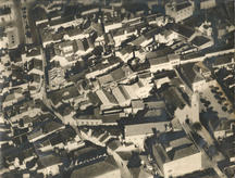 Aerial view of the block before the demolition of the factory. (photo c. 1920)
