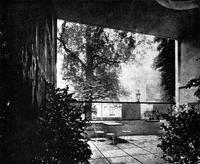 Suspended garden, Esprit Nouveau Pavilion, Le Corbusier, 1922, in W. Boesiger, W., Girsberger (ed.s), Le Corbusier 1910-65, Gustavo Gili, Barcelona, 1987.