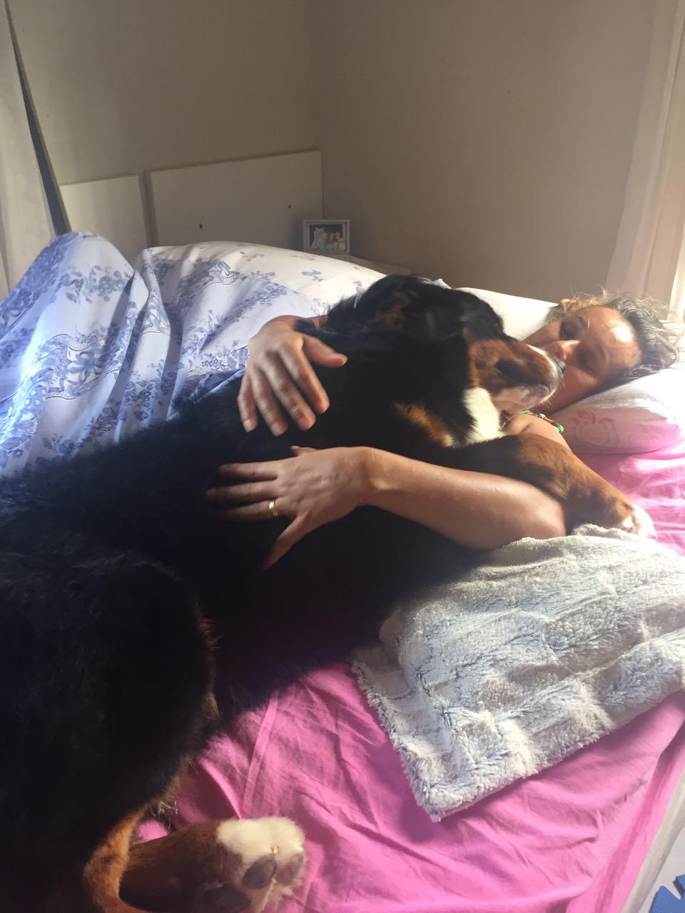 Tirando uma soneca com a mamãe, Rs.