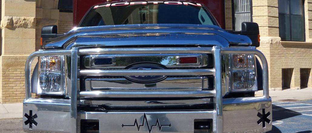 truck-defender-ambulance-emergency-alumi