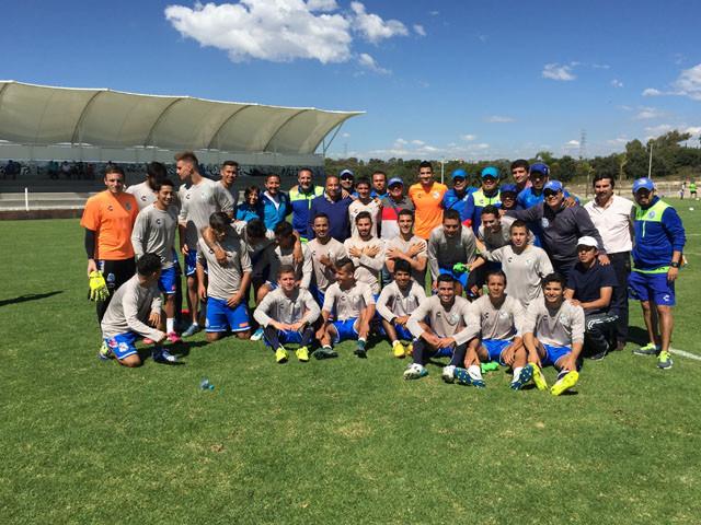 Club Puebla entrenando en Olivos