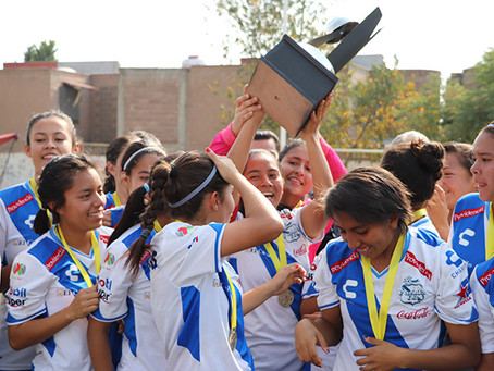 Franjitas, campeonas de la Liga Mayor Femenil