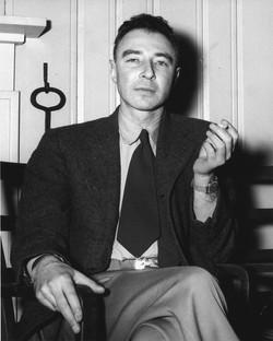 Robert_Oppenheimer_1946