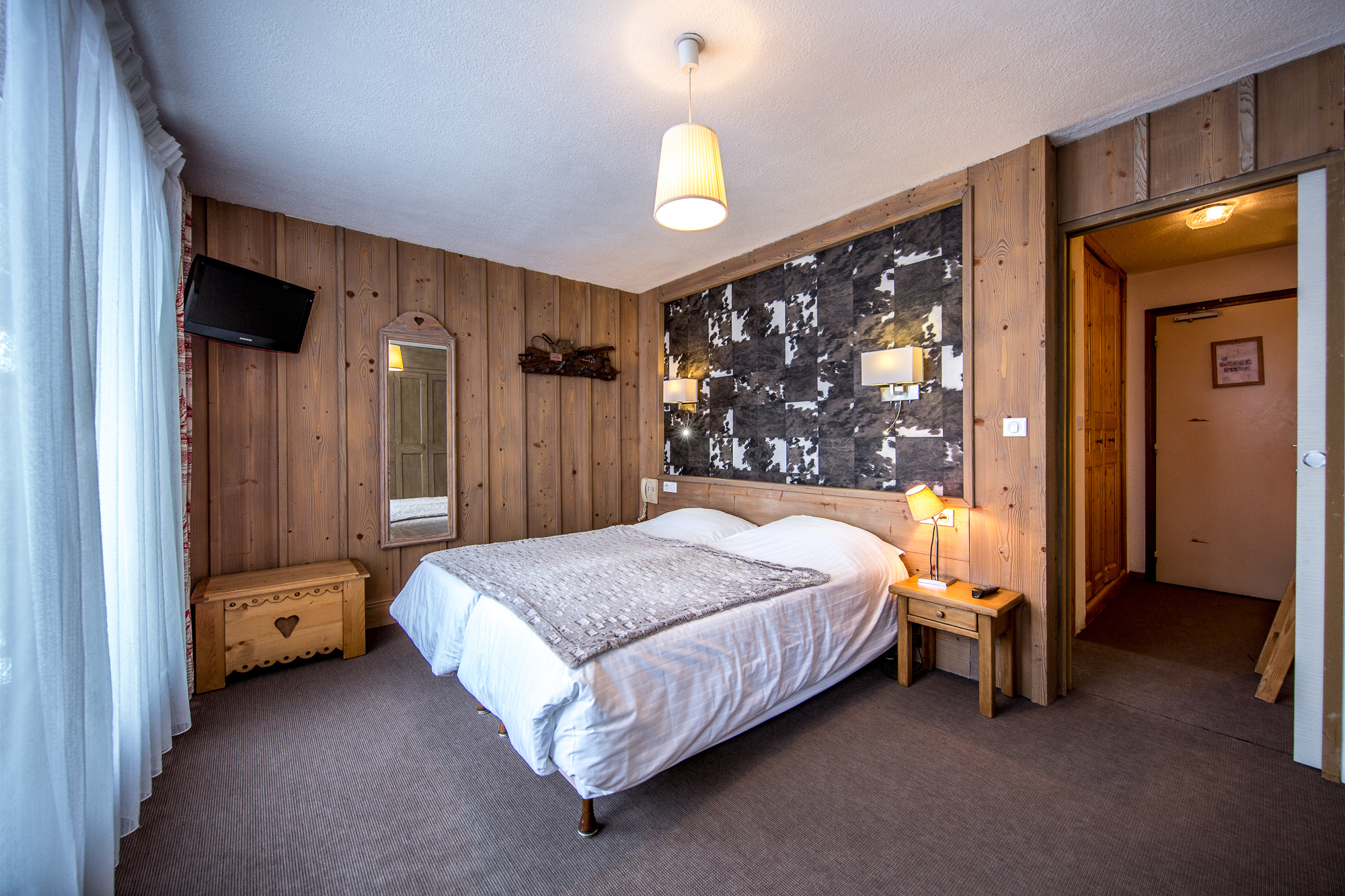 new products de6ee 6bfbf Rooms, Suite room and apartment Hotel Gai Soleil in Samoens ...