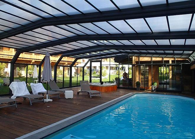 piscine jacuzzi hotel gai soleil samoens