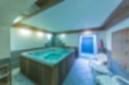 jacuzzi et cabine hammam hotel gai soleil samoens
