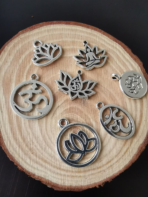 Om + Lotus Charm mix pack 7 charms