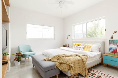 עיצוב חדר שינה צבעוני