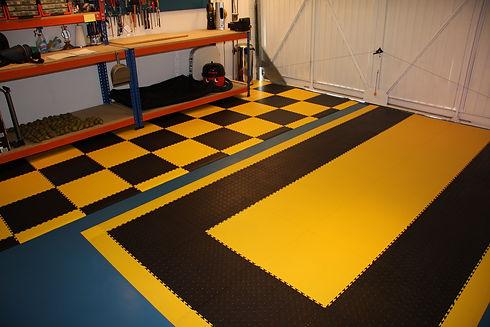 Workshop Application - Black & Yellow.jp